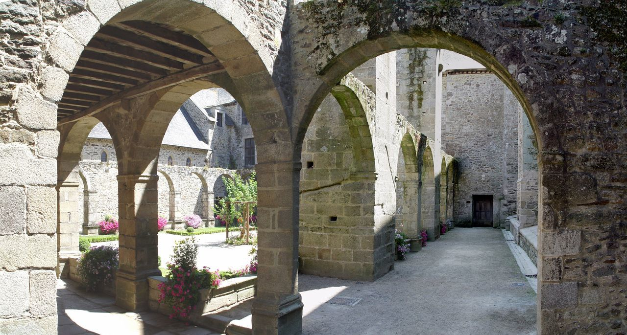 Cloister near Dinan 2005 Arch Architecture Archway Building Exterior Built Structure Cloister Day History Medieval No People Outdoors Sky The Way Forward Tourist Attraction  Tourist Destination