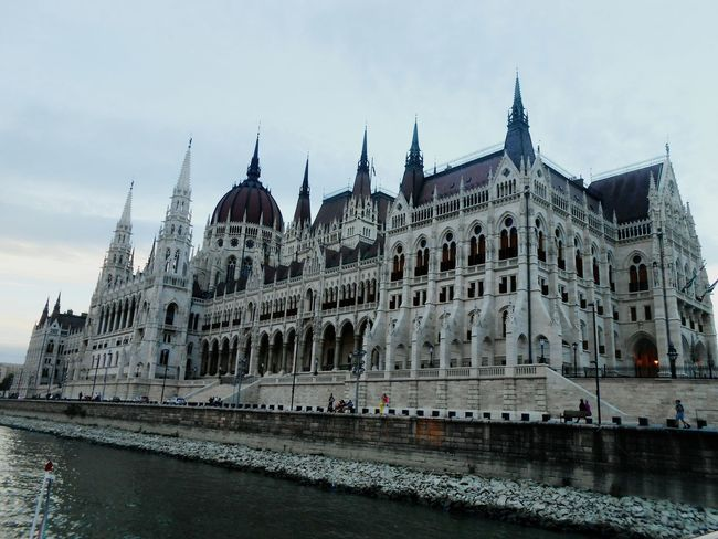 Hungary Budapest Parlament Parlament Of Hungary EyeEmNewHere Sky Duna City River Folyo