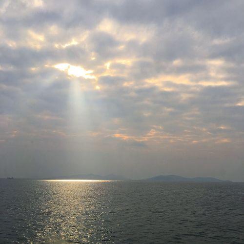 Sea Cloud_collection  Eye4photography  Cloudscape Eyem Gallery Eyem Nature Lovers  Seascape Clouds Sun Istanbul Bostancı Sahili