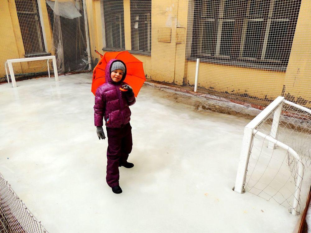 Ice Hockey Ice Umbrella Daughter Sankt-Petersburg Courtyard  For Children Kidsphotography Russia Gates The Portraitist - 2016 EyeEm Awards