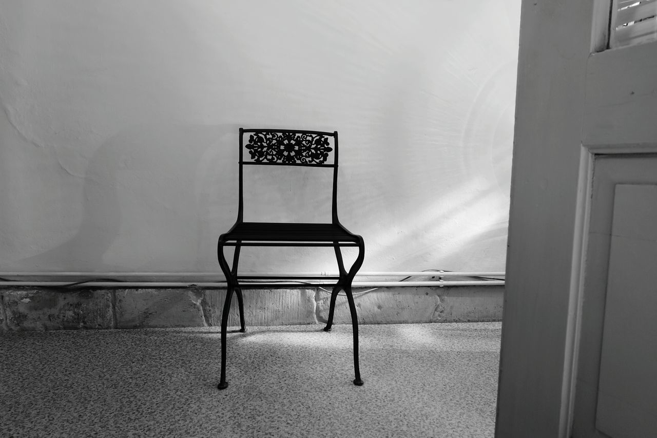 Black and white chair photography - Black White B W Photography Old Chair Sitdown Details Chair