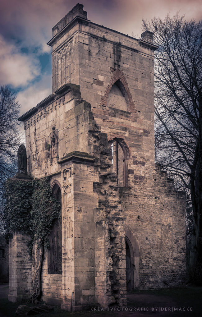 Old ruin at outskirts of Weimar. Could be an old church... Ruins Old Lost Lostplaces Lost Places Verfall Oldchurch Weimar Architecture Architecture_collection Ruinen Schlosspark Park Sonyalpha A99 EyeEmBestPics Dermacke Mackes_fotografie EyeEm Best Edits EyeEm Best Shots Architecturelovers Eyemphotography Gebäude Sepia_collection Sepia Tone Loving