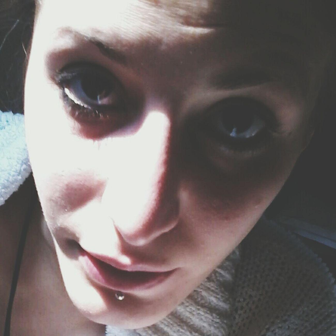 Vomito Appena Svegliata Piercing Occhiaie