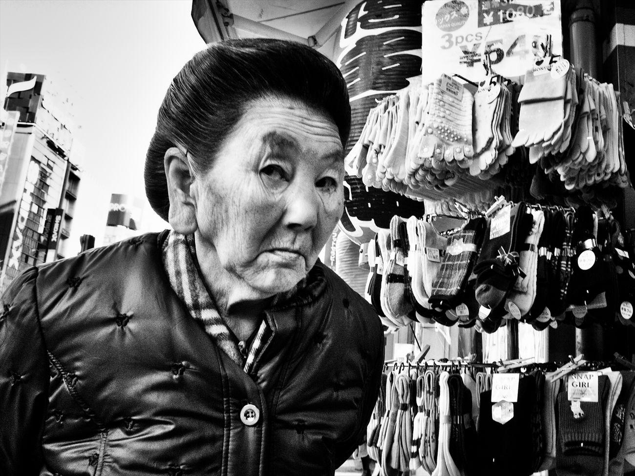 トーキョー・ブルース ~Tokyo Blues~ 新宿 Shinjyuku #1 Shibuya SHINJYUKU Sting_the_street Street Street Photography Streetphoto Streetphoto_bw Streetphotographer Streetphotographers Streetphotography Streetphotography_bw Tokyo Tokyo Street Photography Tokyo,Japan