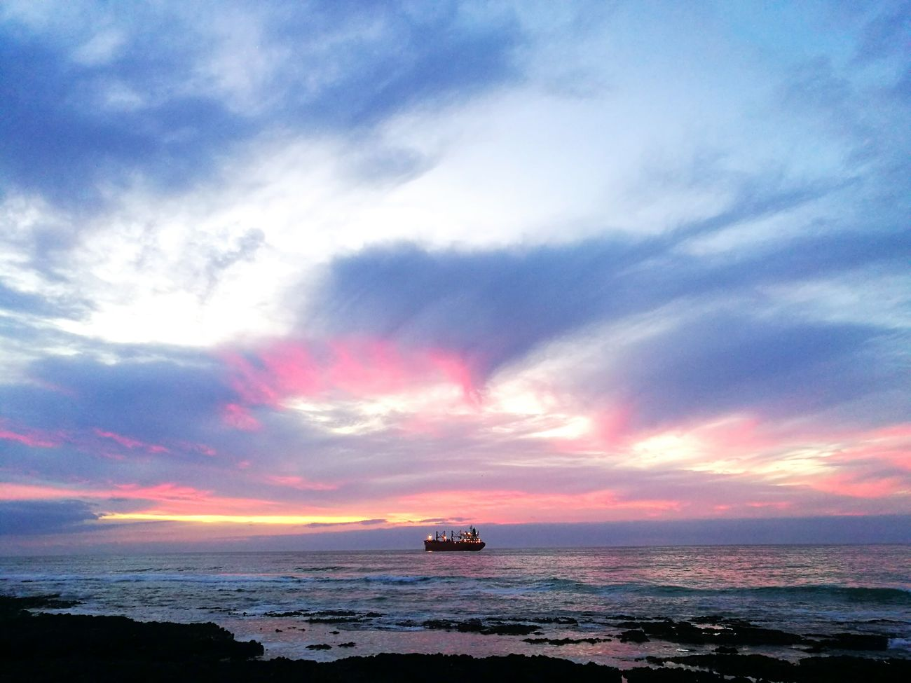 Pink sky Cloud - Sky Nature Water Beauty In Nature Sunset Antofagasta Puestadelsol First Eyeem Photo Amor