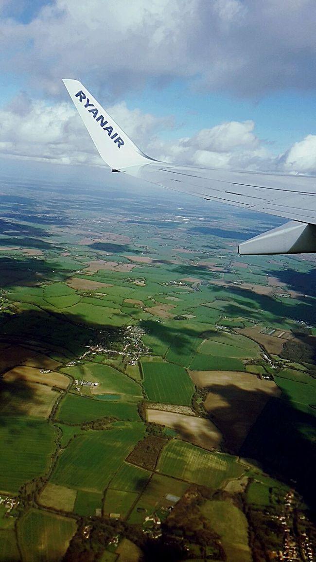 Somewhereinengland Ryanair Thatview Enjoying Life Taking Photos Firstflight Hello World Marchphotoaday March Way Back Home