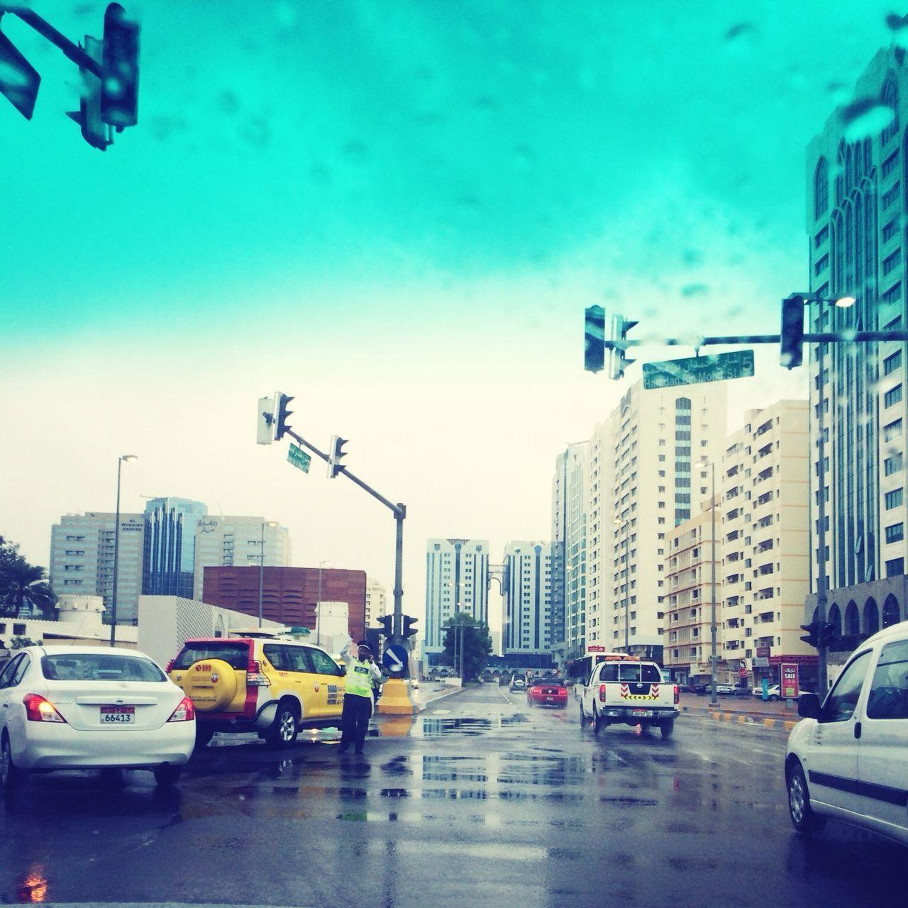 Rain day 1: Traffic system failure