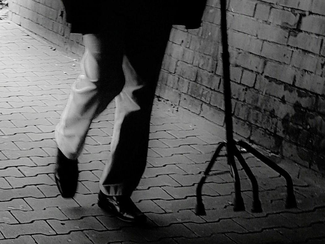 Headless Headless_collection Headless Men Half And Half Streetphoto_bw Black And White Photography Portrait Of A Man  City Street Showcase June City View  Old MenStreet Life Street Photography Portrait Black And White Portrait Tunnel Tunnel Series 6 Feet Walking Alone... Walking Streetphoto Citylife My City City Life GalaxyS7Edge