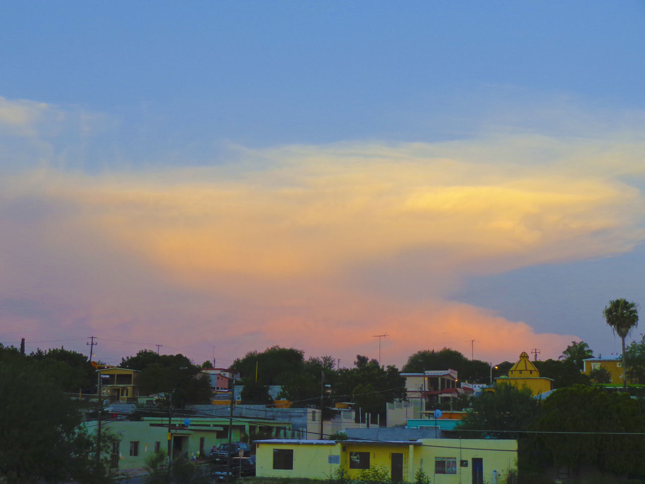 Cielito Lindo Mexicano🇲🇽 Architecture Blue Building Exterior Built Structure City City Life Cloud Cloud - Sky Development Exterior High Angle View House No People Outdoors Residential Building Residential District Residential Structure Romantic Sky Sky Sunset Town Tree