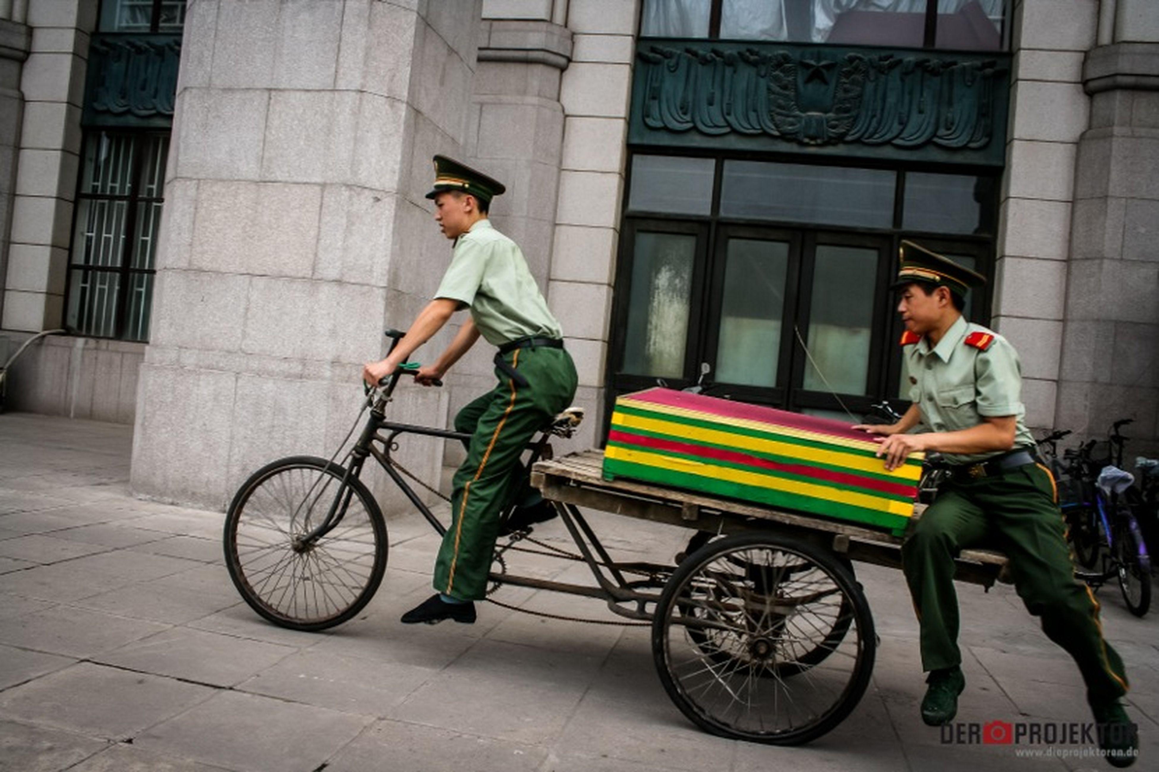 Army transportationin China. China Army #Mobilität