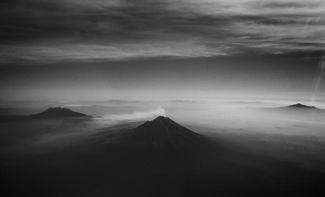 El Popo Plane Blackandwhite Flying Traveling EyeEm x WhiteWall: Landscapes The Great Outdoors - 2016 EyeEm Awards