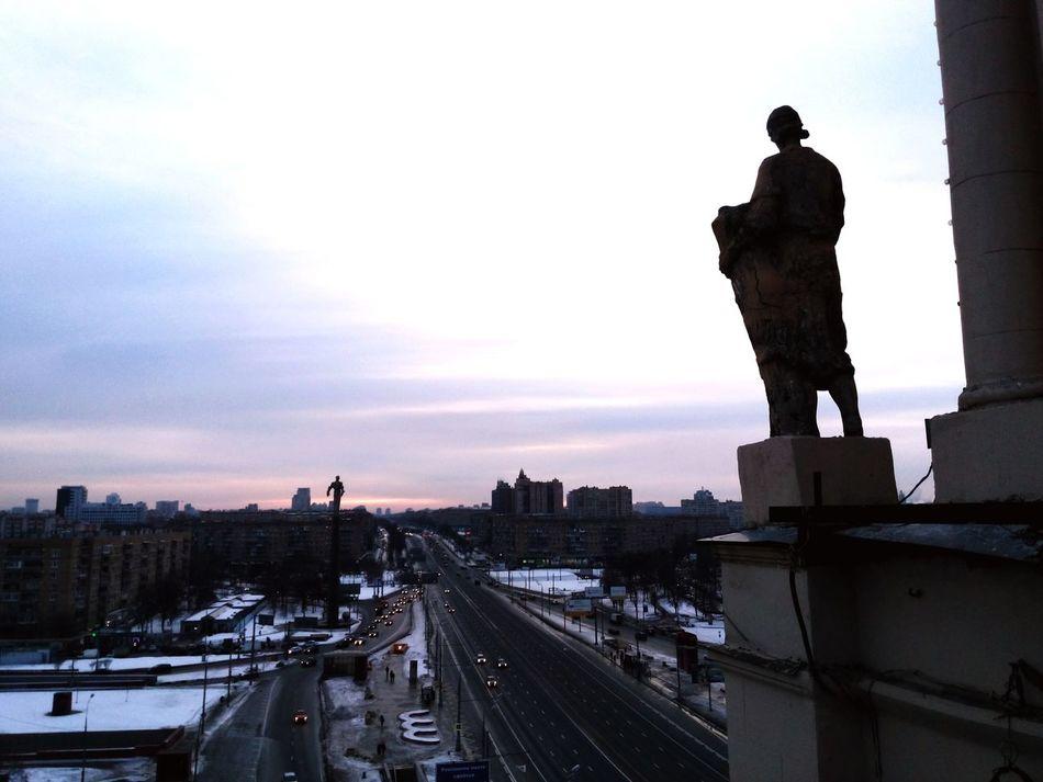 Все статуи смотрят на ЮГ: Гагаринский ЮЗАО Sculpture StalinAmpire Ontheroof Urbex