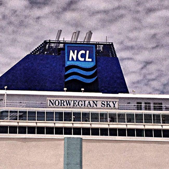 Cruise Bahamas Norwegian Sky Taking Photos