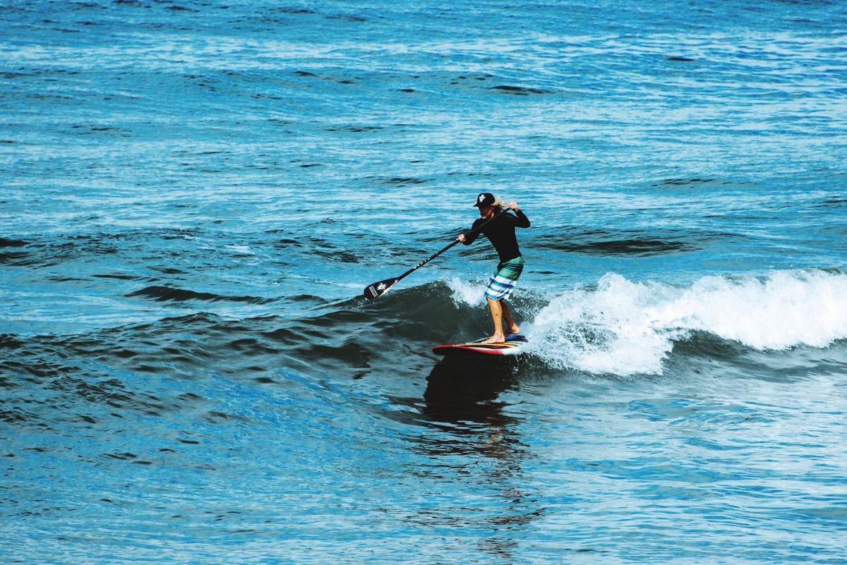 Surf Paddlesurf Standup Paddleboarding Surfs Up Surfing Paddleboarding Paddle Boarding Wave Capturing Movement Ocean View Ocean Surf Photography Surf's Up Surfingphotography Surfing Life Surfingislife Surfing Paradise Waves, Ocean, Nature Waveporn