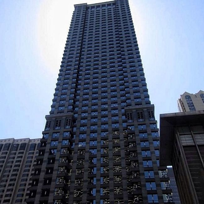 Chicago #chicago #city #street #skyscraper #house #honktravel #usa Street City Chicago House USA Skyscraper Honktravel