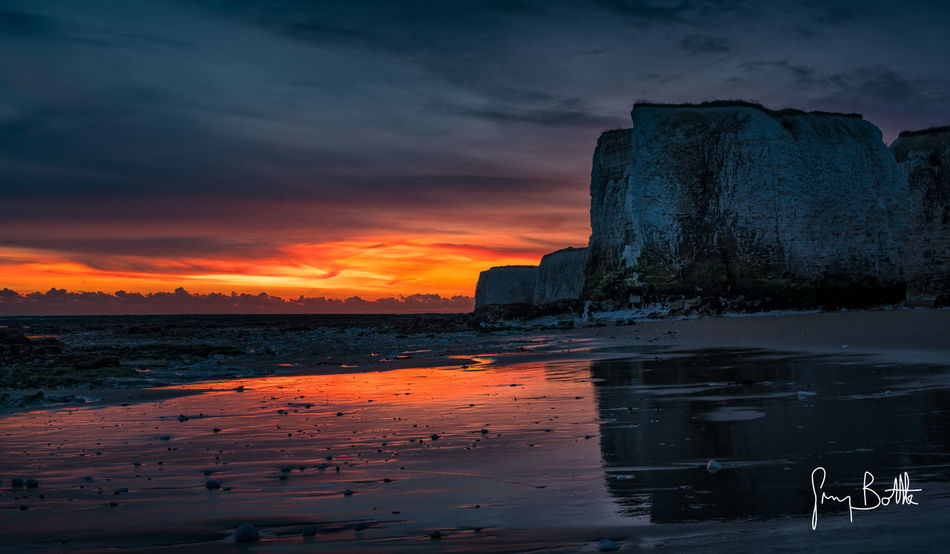 Sunrise Botany Bay Cloud - Sky Beach Sky Botany Bay Broadstairs England, UK Sunrise Seascape Photography Landscape_photography Landscape_Collection Eye4photography  Sony Images Sony A7RII Dawn Sunrise_Collection Sunrise_sunsets_aroundworld Dawn Of A New Day Dramatic Sky Beauty In Nature Sonyalpha Clouds And Sky Landscape EyeEm Best Shots - Landscape