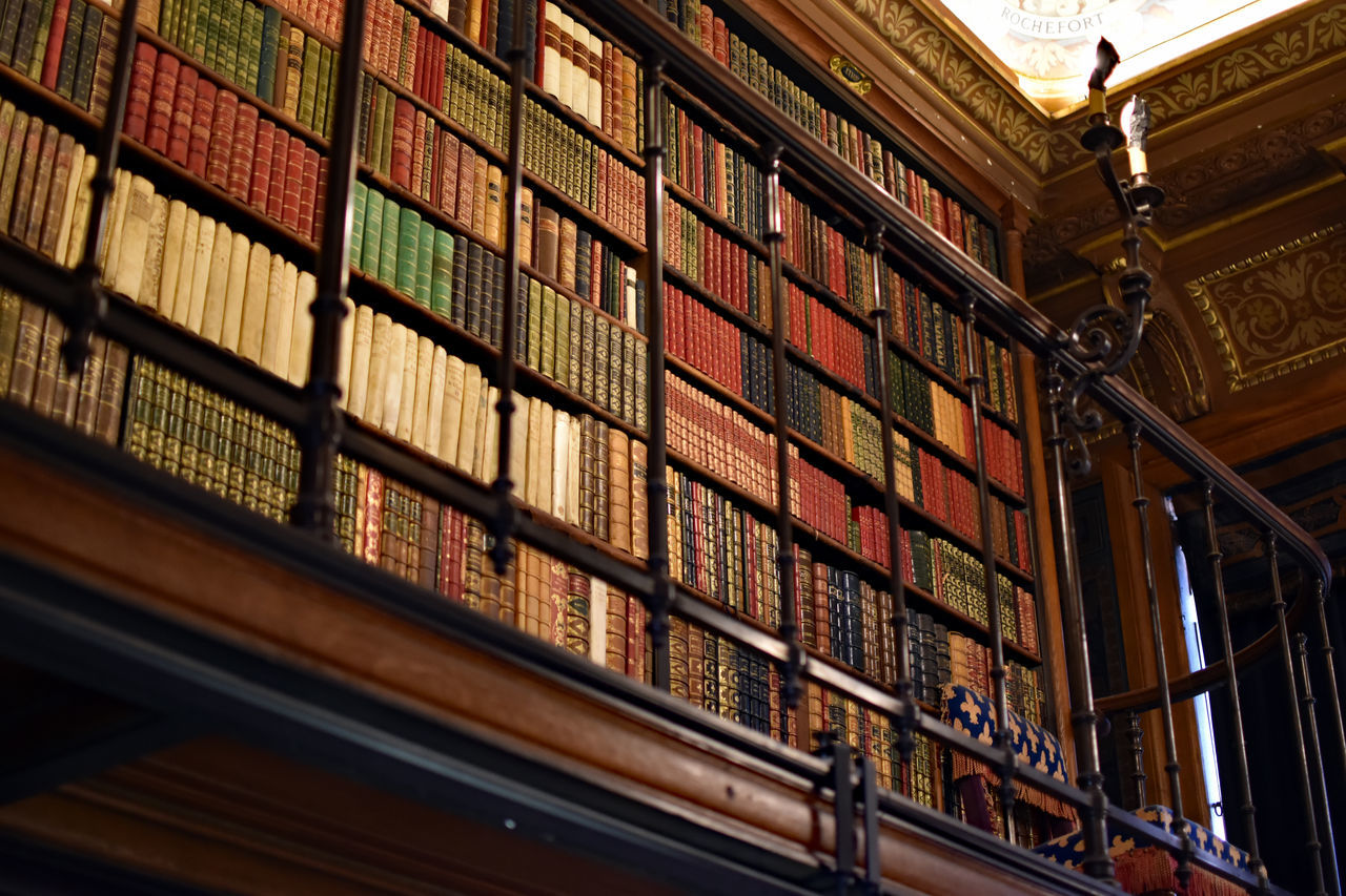 Architecture Balcony Books Built Structure Castle Check This Out Eye For Detail Eye For Details Eye For Photography Eye4photography  EyeEm Best Edits EyeEm Best Shots EyeEm Gallery EyeEmBestPics Hello World Illuminated Library Low Angle View No People Ornate