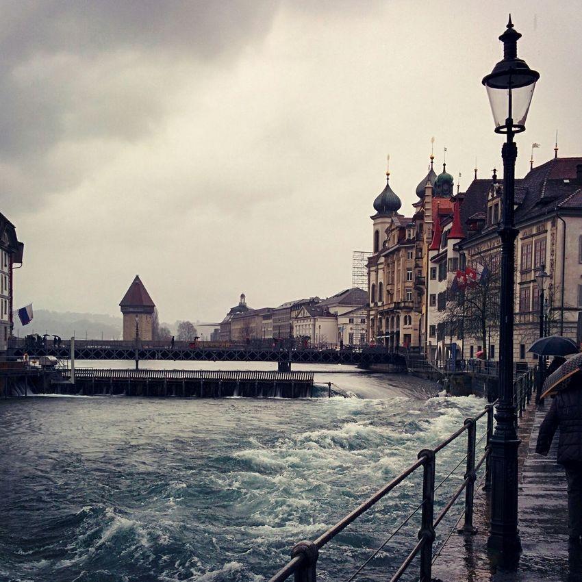 Luzern RainyDay River Flussrauschen