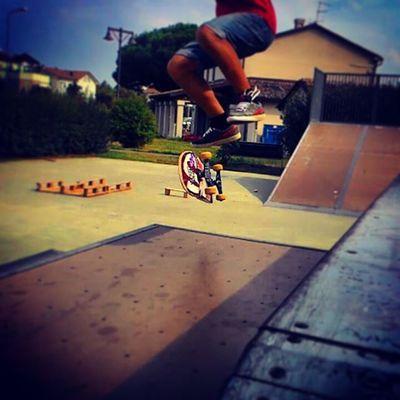 Kickflip su rampa Skate Skatepark Skateboarding Skatelife