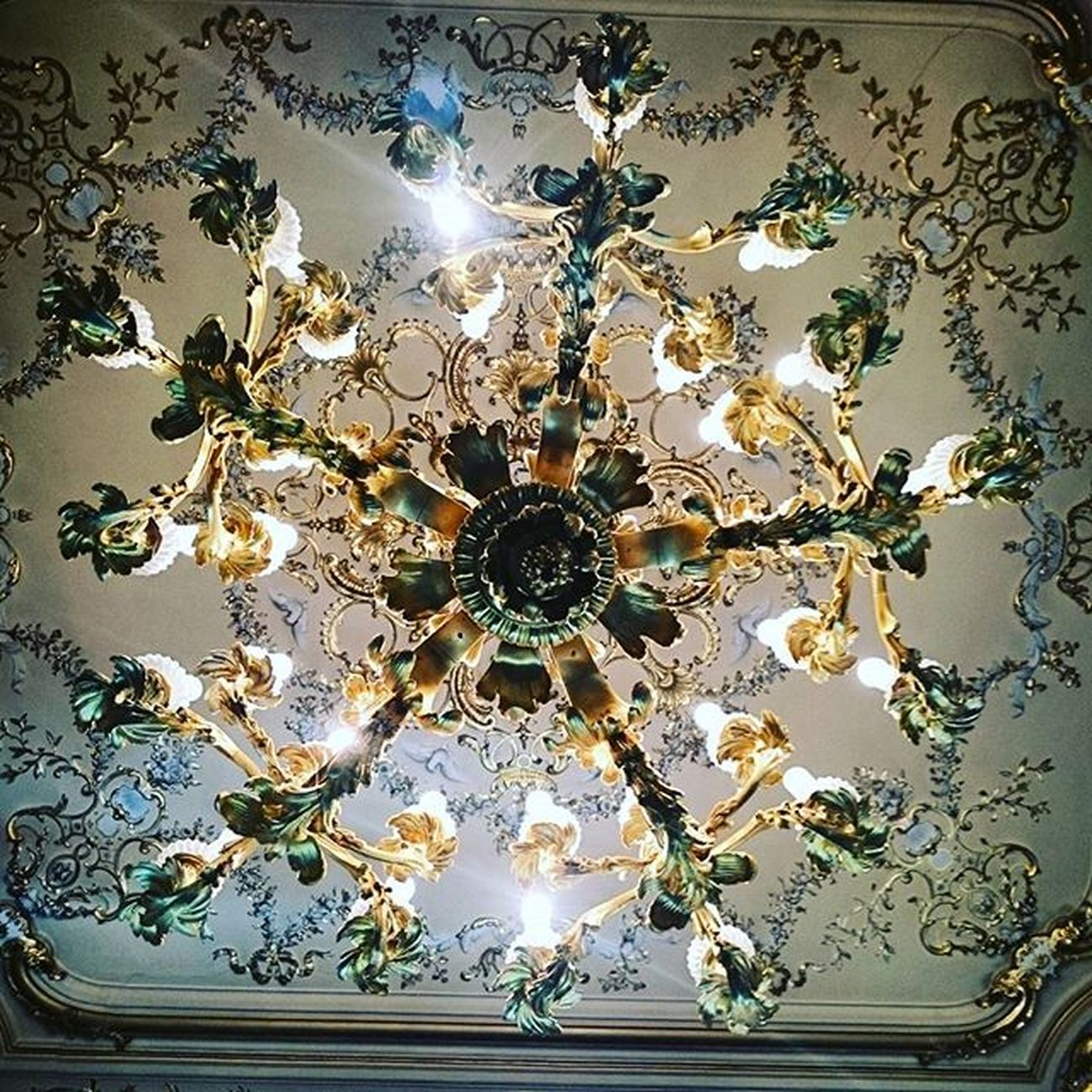 Saintpetersburg Sanpietroburgo Saintpétersbourg Perfect Symmetry Geometry Archilovers Architecture Justgoshoot Urbanexplorer Picoftheday Amazing Art Decor Light Green Ic_architecture Chandelier