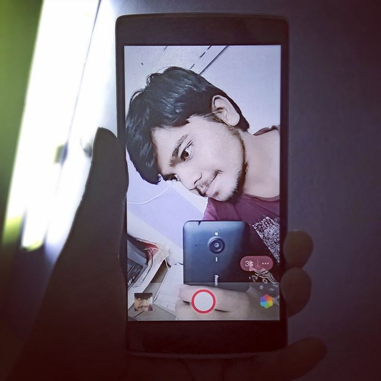 Selfietime Selfiebehindthescenes on my Lumia640xl Mirror as Oneplusone Lumia640xlphotography 😏