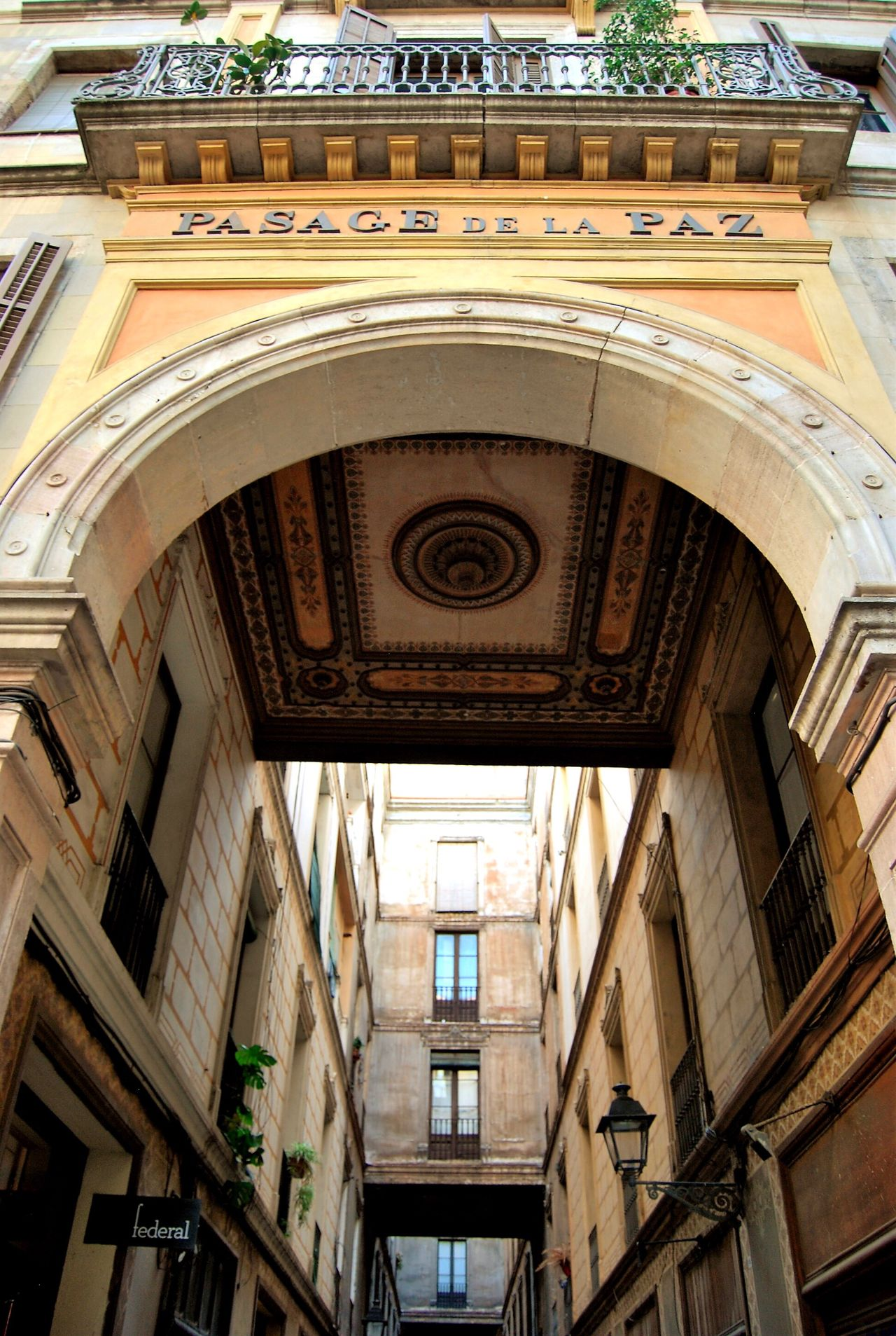Architecture Built Structure Arch Building Exterior Day No People Outdoors EyeEm Gallery From My Point Of View Perspective Barcelona Old Buildings Cityscapes Architecture Low Angle View