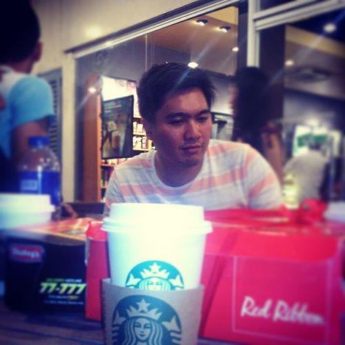 Stolen shot c/o bys ( @makysmak's lil' bro ) Nolookselfie Selfie Weekend Sunday Foodporn Takeout Coffee Caramelmachiatto Starbucks Redribbon Shakeys