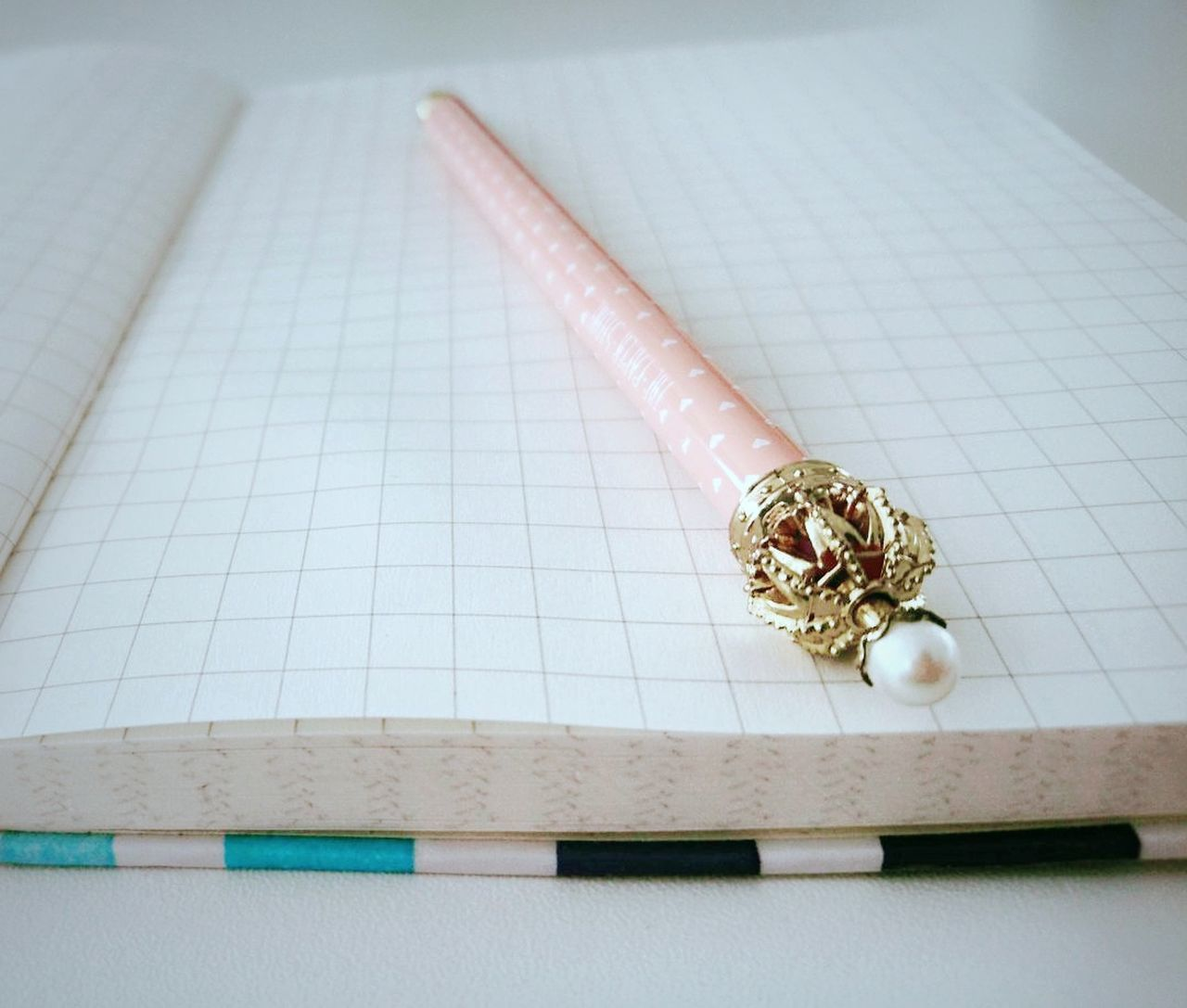 Pen Taking Notes Cute Queen Pearl Elegant Design Jot Down Blank Page