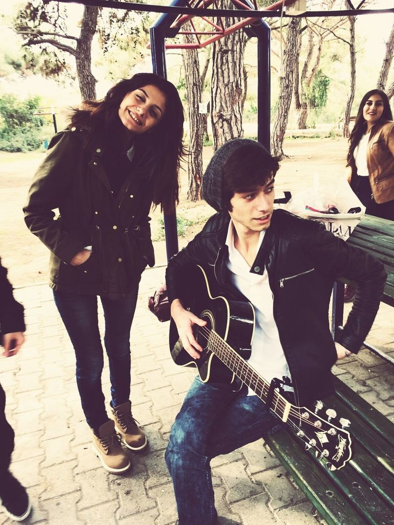 Happyday♥ ıloveyou! So Happy Sevdiğim♡ Guitar Her notamda sen varsın sevgilim 💟💟💟💝💞