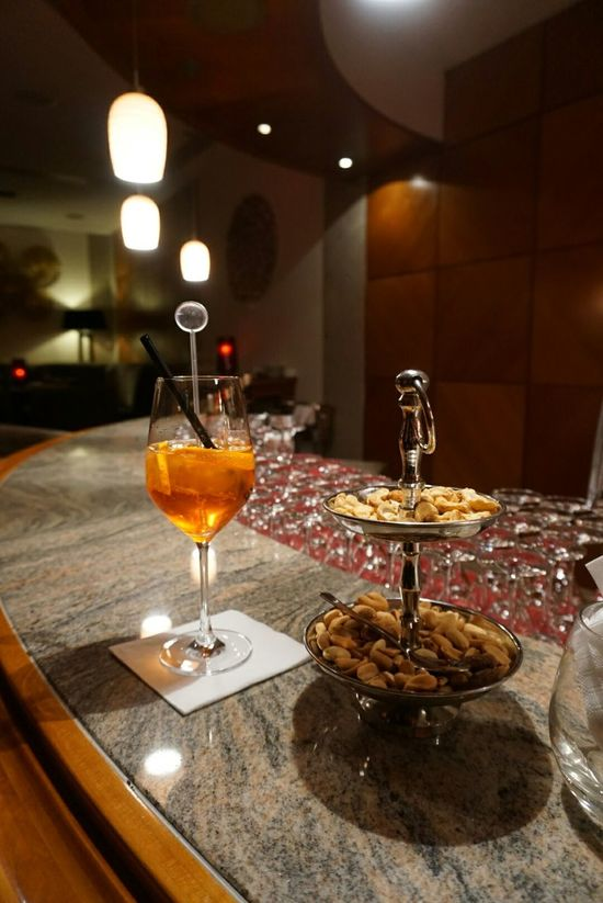 Aperol Spritz & Nuts @ Hotel Palace Bar, berlin