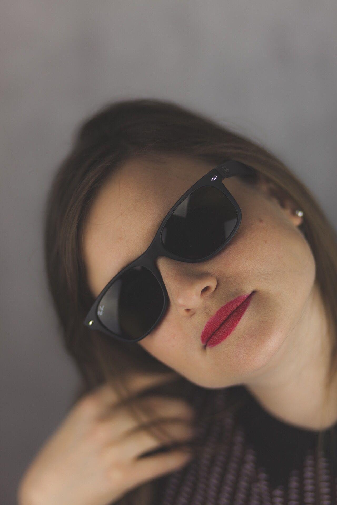 Séance photo à partir de 50€. Portrait Photography Portrait Studio Photography Shooting Photos Seance Photo Studio Shot