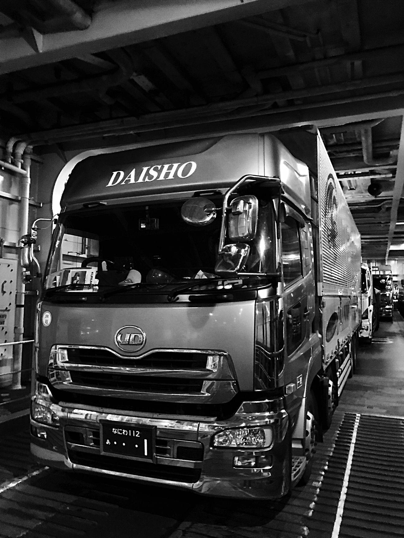 Truck Black And White Nissan Trucking Trucks EyeEm Best Shots EyeEm Light And Shadow EyeEm Best Edits EyeEm Japan Self Portrait EyeEmBestPics EyeEm Gallery Japan Enjoying Life Japan Photography