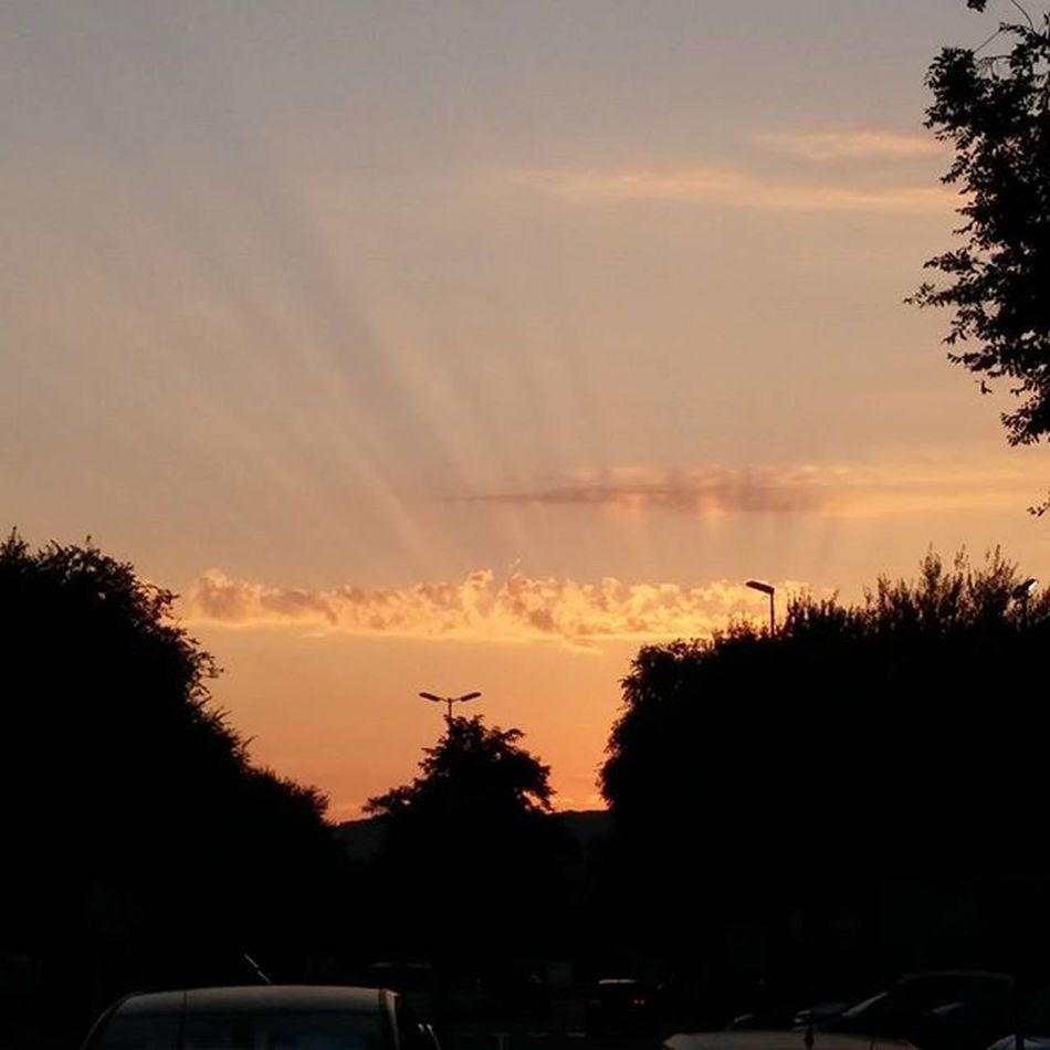 Sunrise Amanecer Leverdesoleil Auringonnousu Hospitaletdellobregat Sunsunsun_hereitcomes