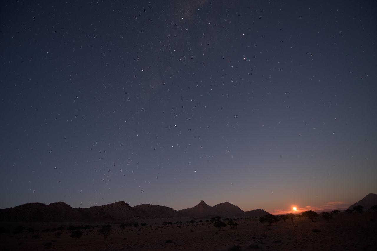 Milky Way Milkyway Moon Moonlight Moonset Moonset At Sunrise Night Photography Nightshot Scenery Stars