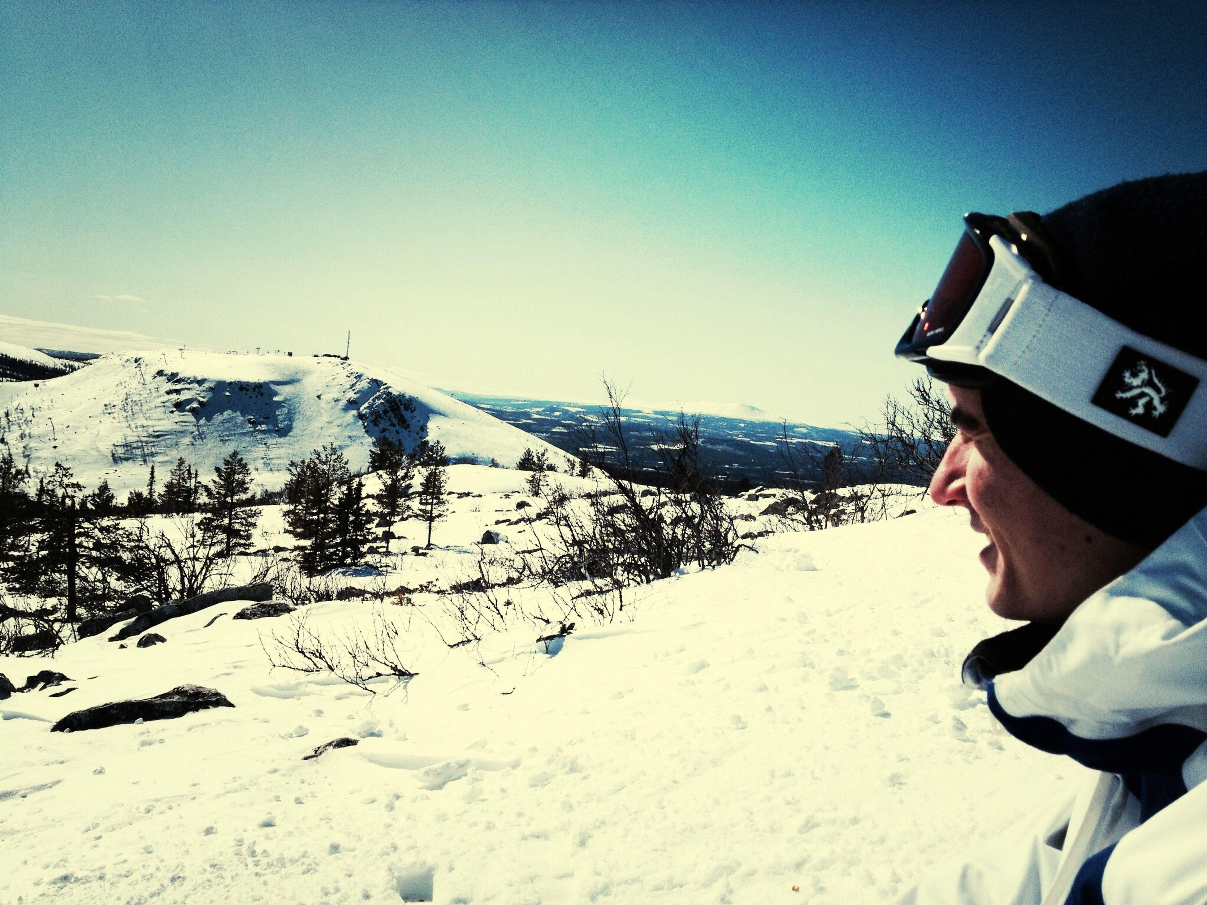 Living tha life .  Love Life Ski Ciggarette breake.