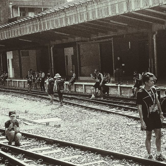 Runners Rail Corridor Run 31 January 2016 King Albert Park to Tanjong Pagar Railway Station Tracks Closed 3 May 1932 - 1 July 2011 Streetphotography Bnw Bnwcollection Bnwphotography Bnw_life Bnw_planet Bnw_worldwide Bnw_society Bnw_captures Bnw_city Snapshots Of Life Capture The Moment