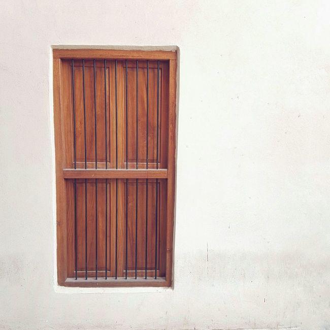We live in cities you'll never see on screen. Kuwaitcity AlMubarakiya Traditional Door المباركية