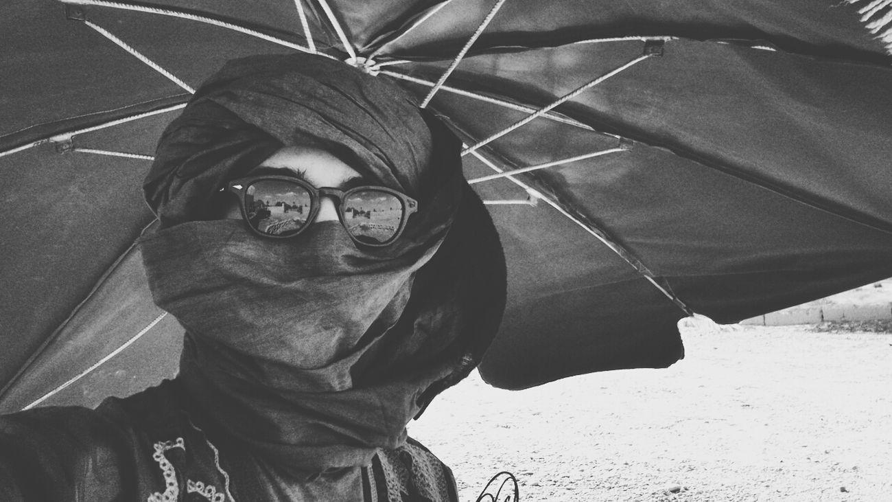 That's Me in da Sahara enjoying holiday Blackandwhitephotography Portrait Zc   Photography