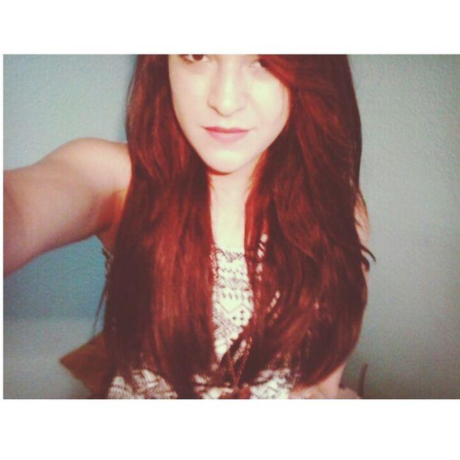 Me pinte el pelo de rojo para que me recuerde que tus labios se pintaban de ese color cuando los besaba. Remember Love