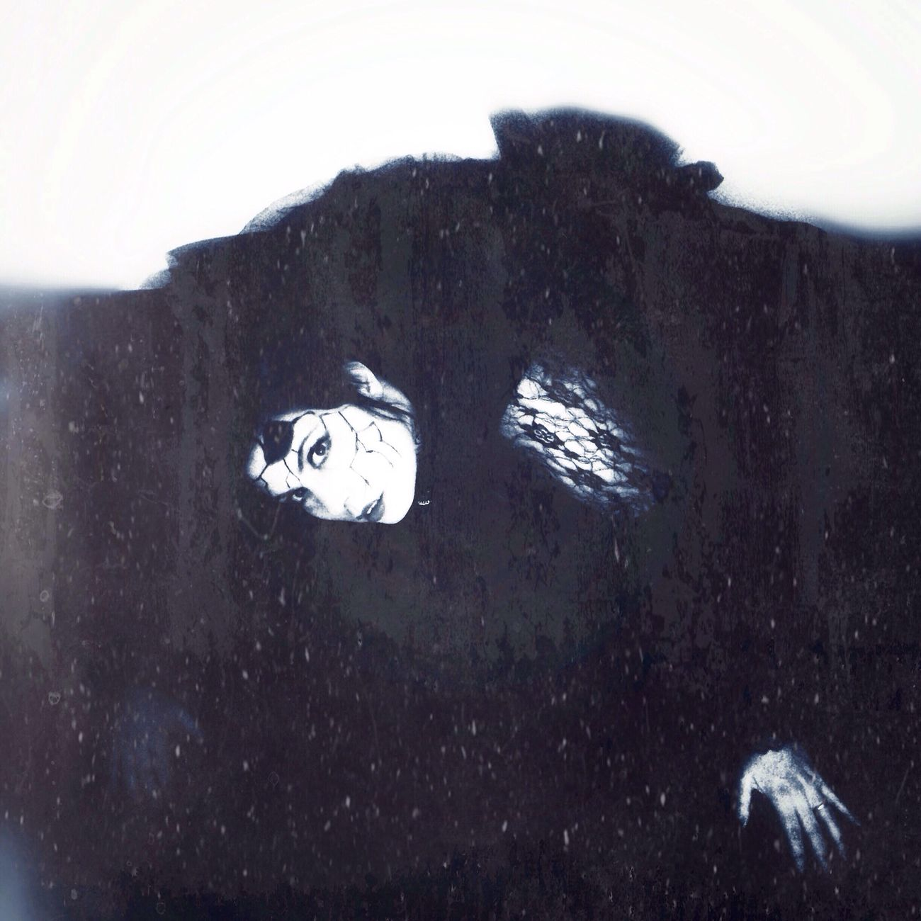 It's just a trick of the light Self Portrait Selfportrait_tuesday_nonchallenge Open Edit NEM Self Darkness Goth Dark Portrait Selfportrait Vampires And Werewolves STAY HUMAN 💯 Dark Art Black & White Monochrome