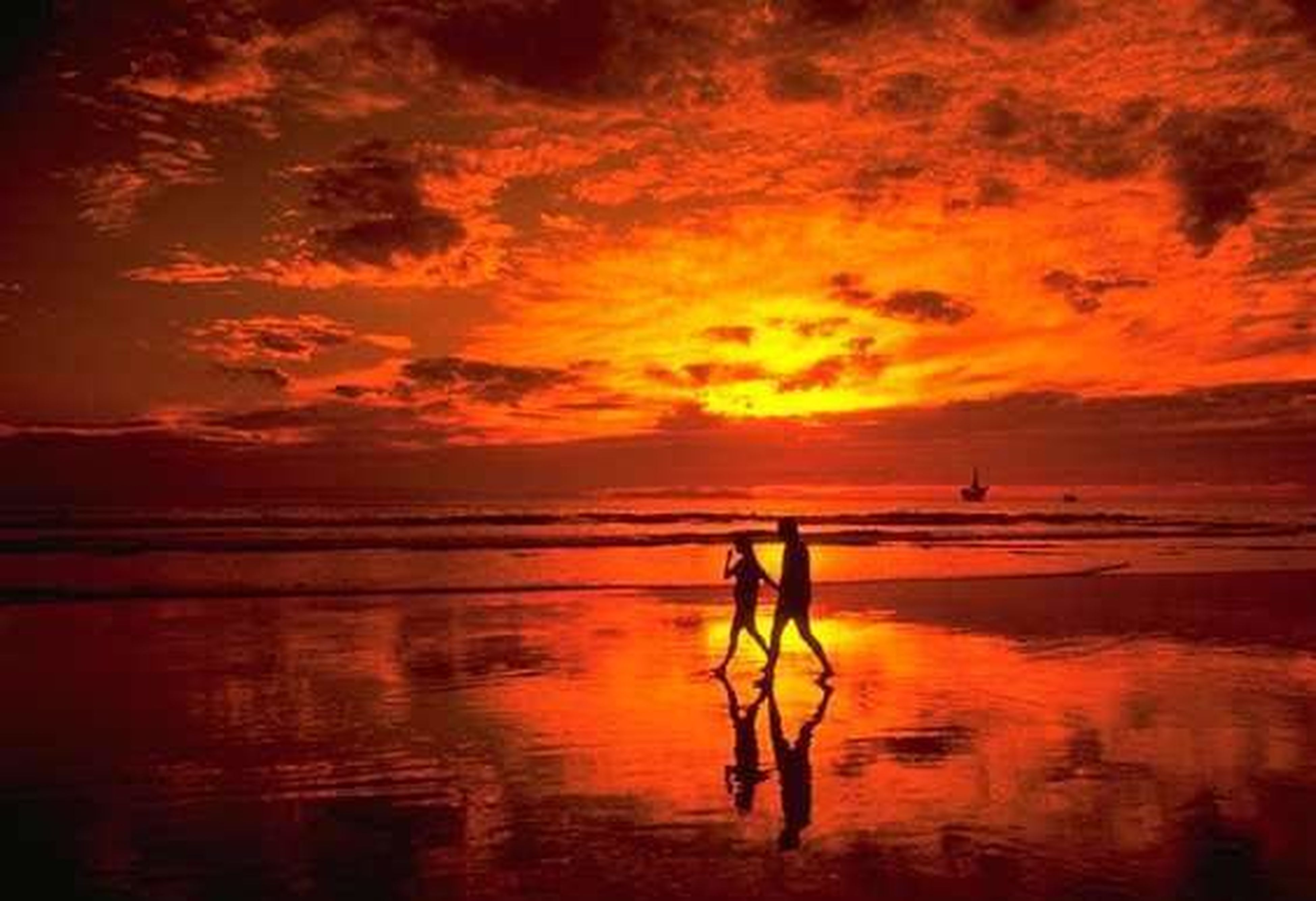 sunset, water, sea, sky, orange color, horizon over water, scenics, cloud - sky, beauty in nature, tranquil scene, beach, tranquility, silhouette, reflection, idyllic, shore, cloud, nature, dramatic sky, cloudy