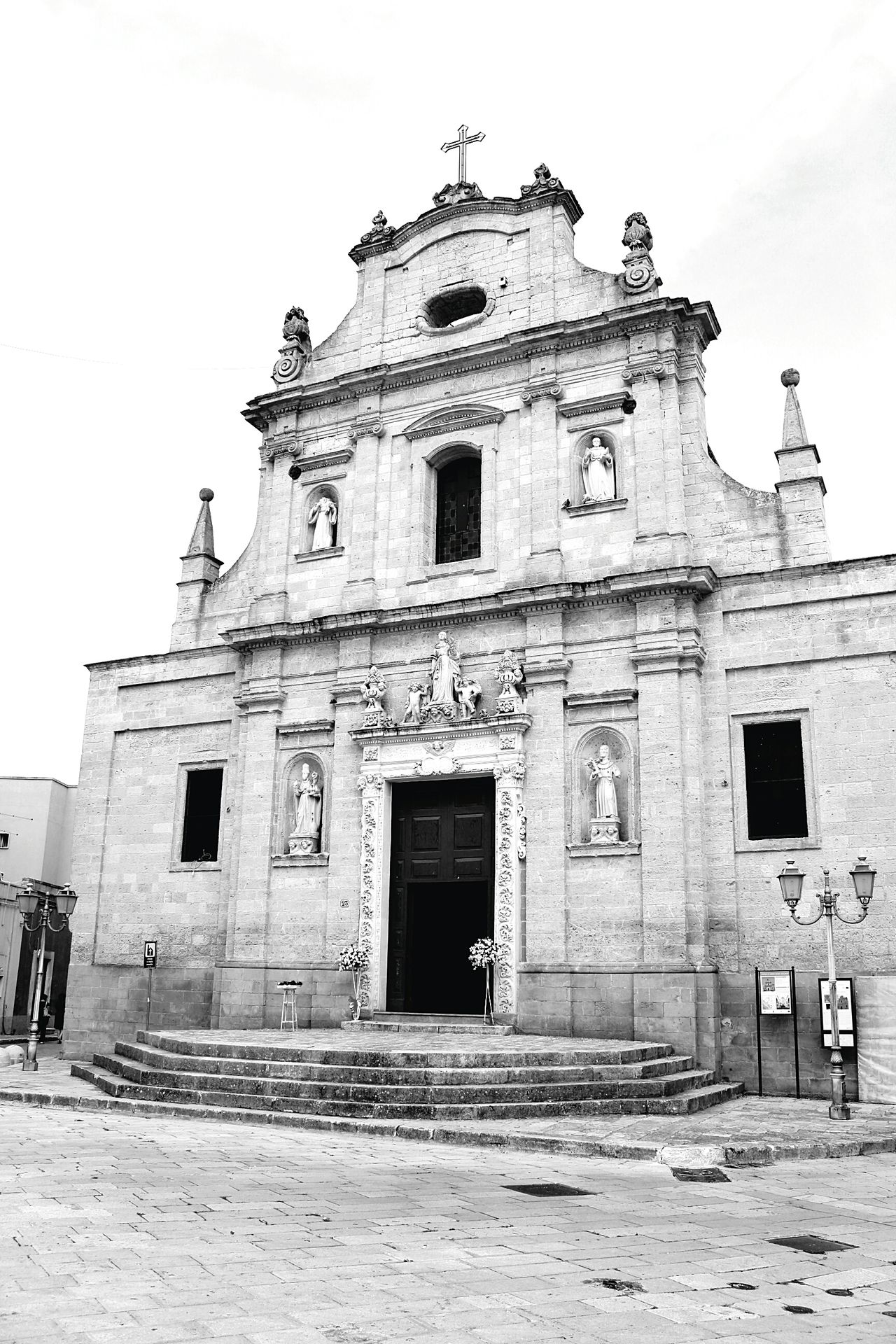 Vertical Architecture Building Exterior Sky Built Structure Outdoors History Travel Destinations No People Day Italia Europa Horizontal Salicesalentino Lecce - Italia Salento Puglia Town Entrance Monochrome Photography Façade Historic Creativity Arte Art
