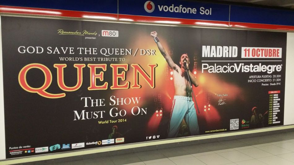 Musical de uno de los grandes. Queen. Taking Photos Musica De Los 70 Enjoying Life Metro De Madrid