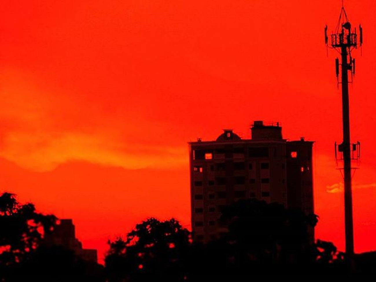 Sunset Sunsets Sunsetlovers Sunsetdobrasil Sunsetsmax Skyline Great_captures_nature Great_captures_brasil Naturelovers Nature Nature_perfection