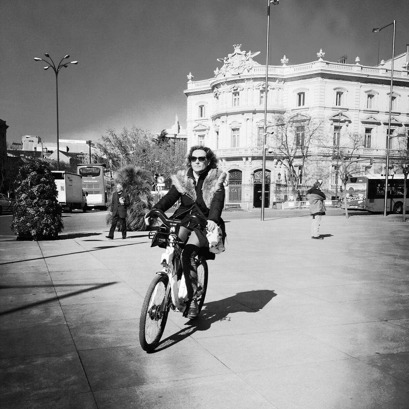 Streetphotography Monochrome_life Bw #bnw #BWcollaboration #istanbul #blackwhite #blackandwhite Movilgrafias
