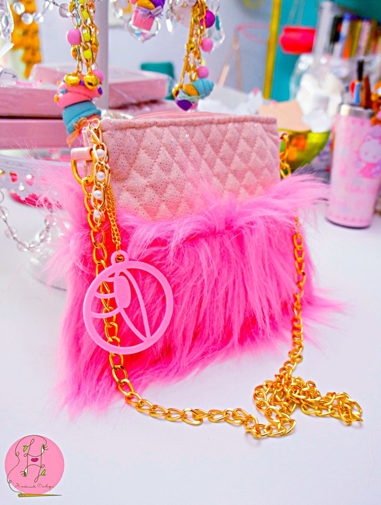 Pink sparkles crystal bag💎👧🏼🍭✨ Magical Sparkles Fuzzy Bright Handmade Design Monogram EyeEm Gallery Fantasy Hello World Boutique Bag Neobaroque Neobaroquequeen Happiness Twins Bagdesigner Bags Beautiful Etsy Studio California Laviniafenton Eye4photography  Colors