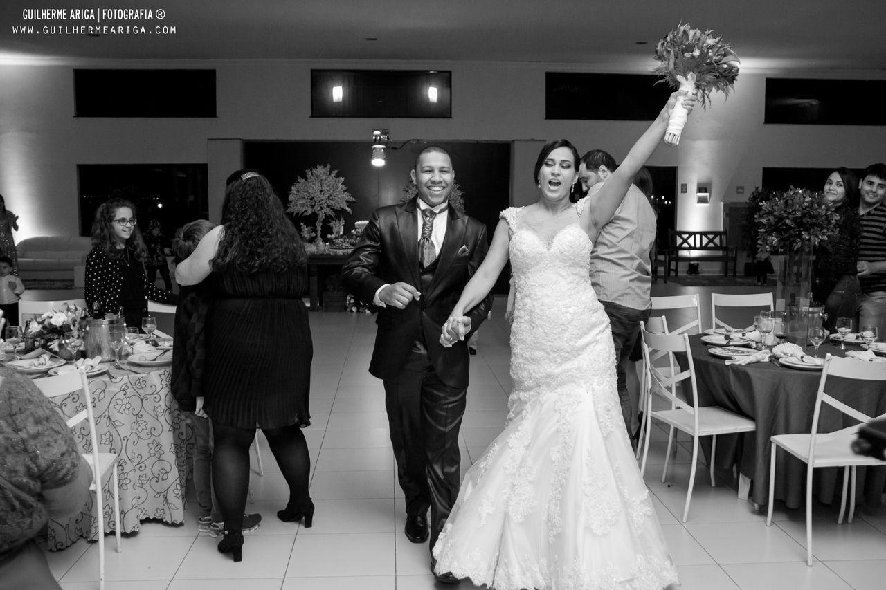 Vem ai oa noivos Casamandaevinicius PhotoWedding Guilhermearigafotografia Espaconobre Photography Wedding Photography
