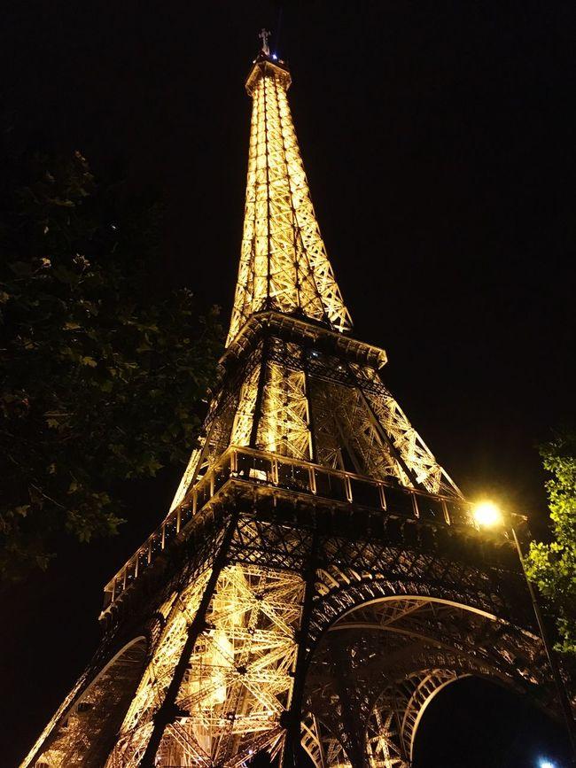 Paris, France  Everyone Leaves J'taime
