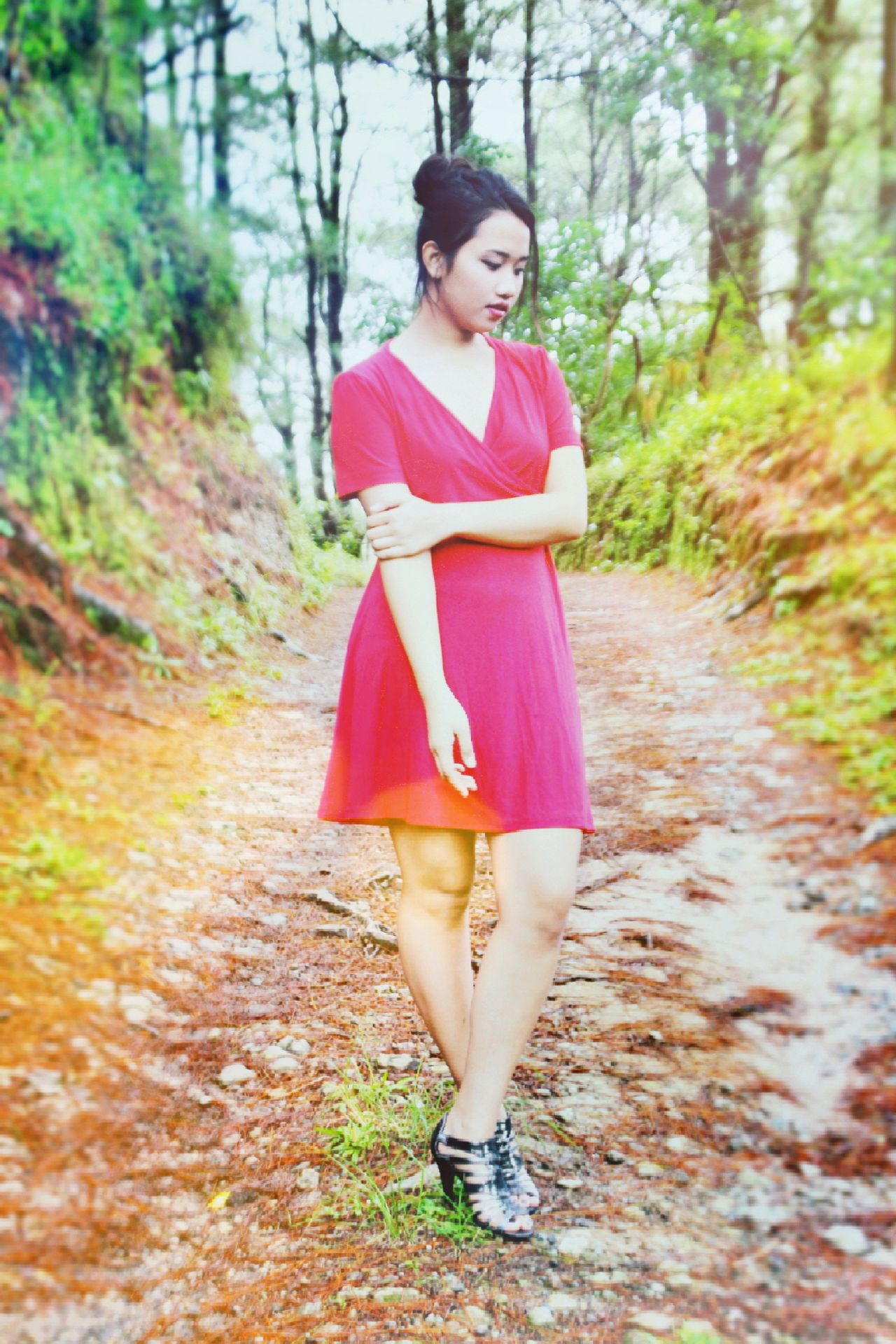 Young Women One Person Outdoors Nature Beauty Beauty In Nature One Woman Only Young Adult Model Photography Beauty In Nature Country Life Tree