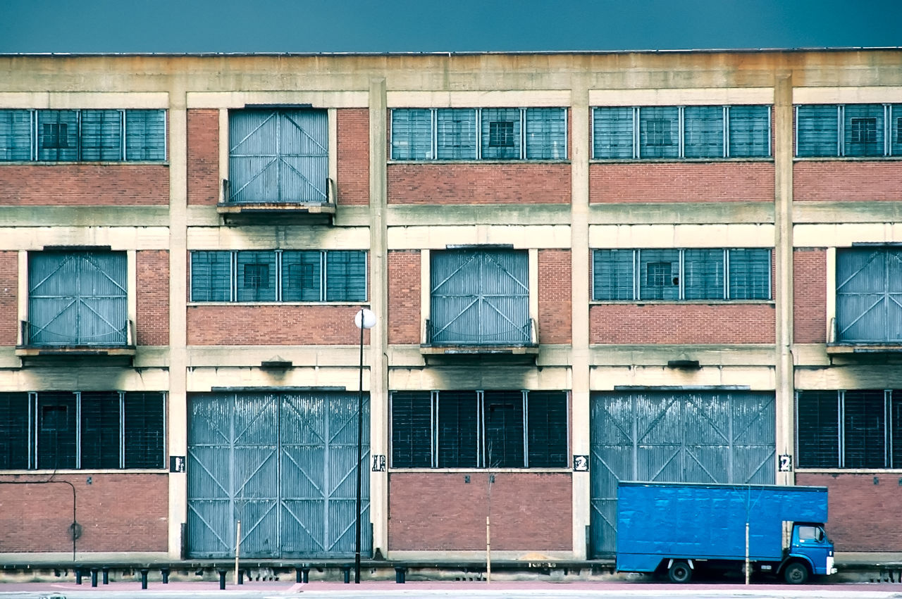 Beautiful stock photos of lkw, building exterior, architecture, window, built structure